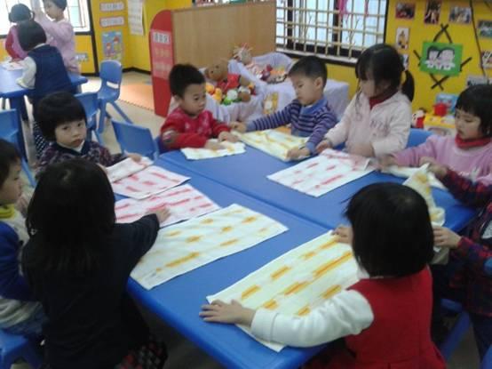我会叠毛巾 - 东莞市外经贸幼儿园